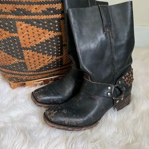 🌵FreeBird 🌵 by Steve Madden leather harness boot
